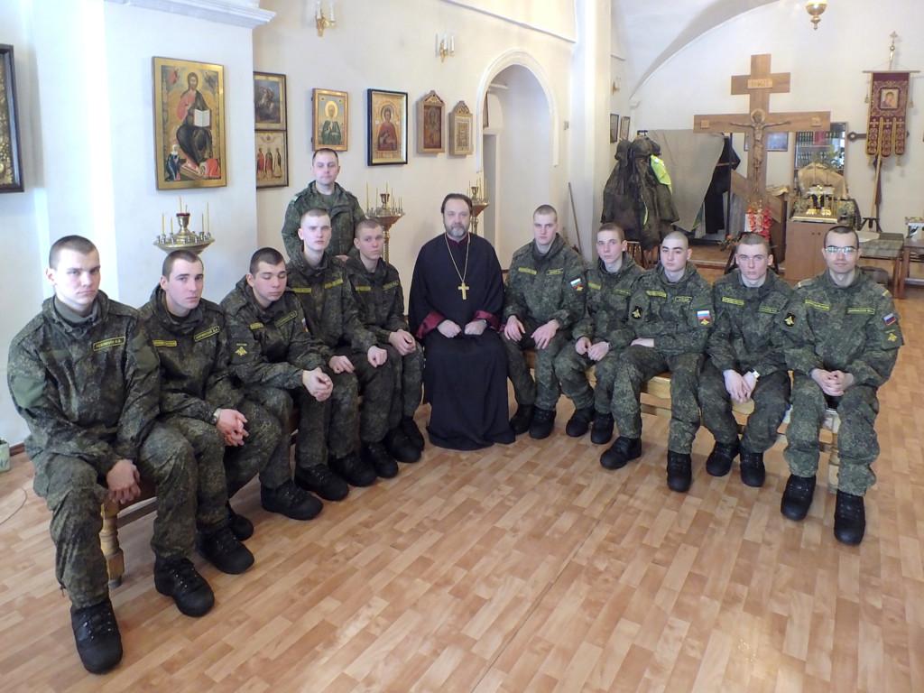 Военнослужащие в Никитском храме города Коломны